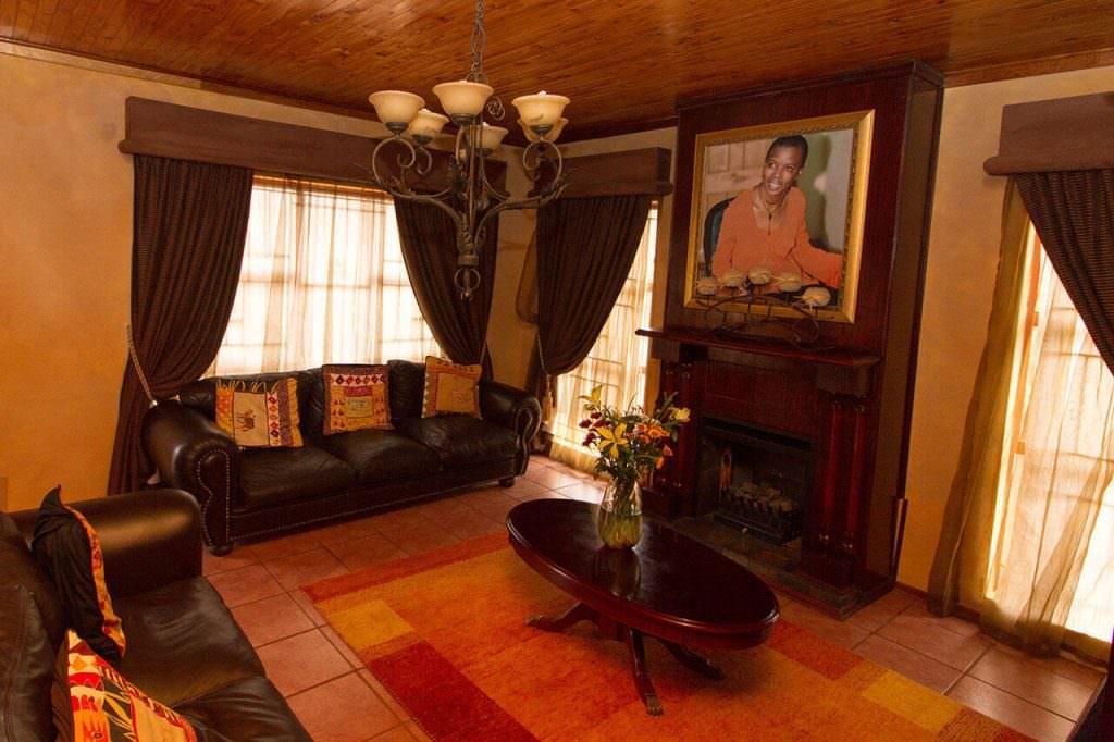 nthabiseng molongoana - Lenthas Lodge 7 1024x682 - Vrouekeur portraits of Nthabiseng Molongoana