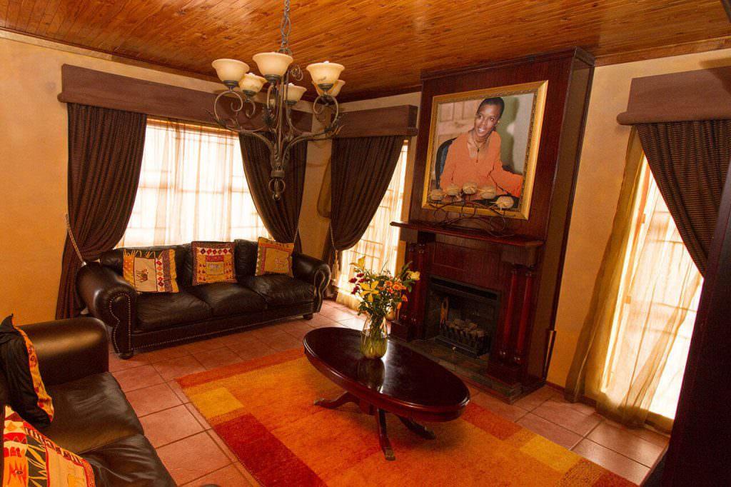 nthabiseng molongoana - Lenthas Lodge 8 1024x682 - Vrouekeur portraits of Nthabiseng Molongoana