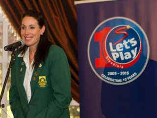 supersport let's play awards 2015 - kimberley - Supersport Lets Play Kimberley 17 500x333 320x240 c - Supersport Let's Play Awards 2015 – Kimberley